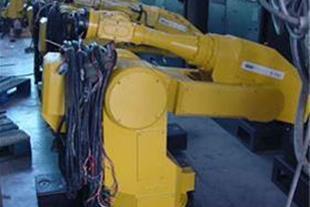 خدمات انواع ربات های صنعتی نو و دست دوم - 1