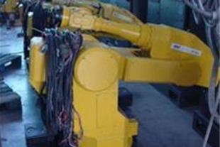 خدمات انواع ربات های صنعتی نو و دست دوم