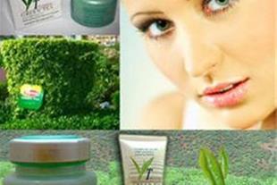 کرم روشن کننده پوست و ضد پیری چای سبز
