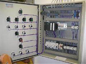 طراح و سازنده انواع تابلوهای برق فشارقوی و ضعیف - 1