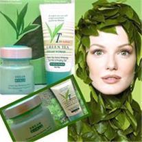 شفاف و سفید شدن پوست صورت با کرم چای سبز