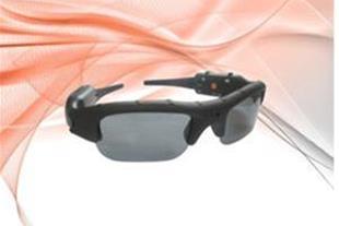 عینک دوربین دار مناسب پرواز، اسکی، اتومبیل رانی