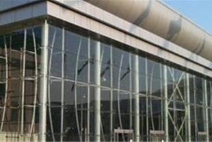 شیشه های ساختمانی و خودرویی