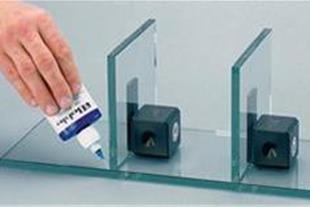واردات و پخش عمده انواع چسب های (UV Adhesive)