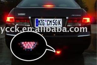 فلاشر چراغ استپ ترمز پشت عقب  شیشه اتومبیل