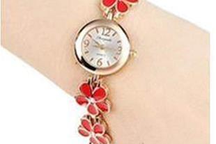 خرید پستی ساعت مچی زنانه والار گرد طرح گل (WALAR)