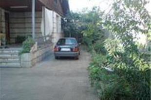 فروش خانه ویلائی560متری با 3مغازه دررشت