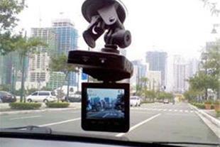 دوربین با مانیتور2 اینچ مموری خور و دید در شب