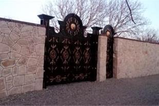 1300 متر باغچه 4 دیوار دارای سندتکبرگ کد:147