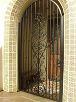 درب و نرده فرفورژه و فلزی