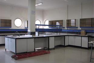 تولید سکو و کابینت آزمایشگاه