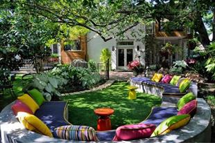 طراحی و اجرای فضای سبز (باغ و باغچه)