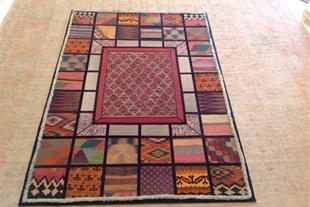 فرش و گلیم دستباف آنتیک با طرح کلاژ