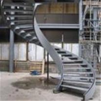 طراحی و اجرای پله گرد