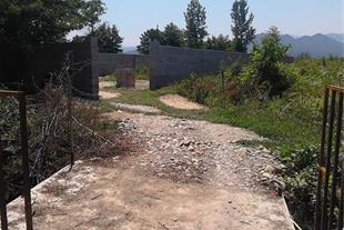 باغچه دور دیوار باپروانه ساخت