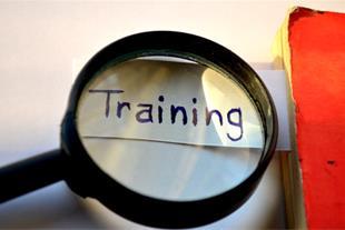 دوره آموزشی اصوﻝ و فنوﻥ مذاکره و اﺭتباﻁ موثر
