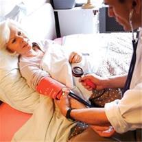 ویزیت پزشک در منزل ویژه سالمندان