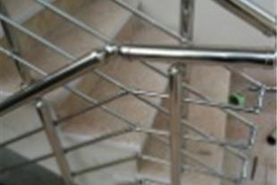 طراحی و ساخت پله و نرده و حفاظ استیل