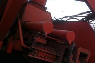 فروش یک دستگاه جرثقیل ولوو ان 12 مدل 1357 شمسی