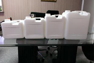 فروش گالن پلاستیکی 4 لیتری ، 5 لیتری ، 6 لیتری