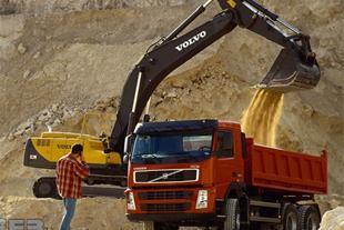 نیاز به کمپرسی ده چرخ جهت حمل خاک در معدن