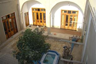 اقامتگاه سنتی چاپاکر ورزنه varzaneh house