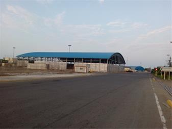 ساندویچ پانل ، اجرای پوشش سقف سالن صنعتی - استان گیلان - سالن