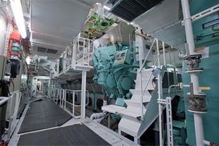 تعمیر انواع موتور دیزل ژنراتور دریایی