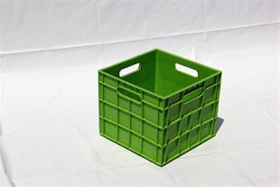 سبد و جعبه های پلاستیکی و قفس حمل مرغ زنده