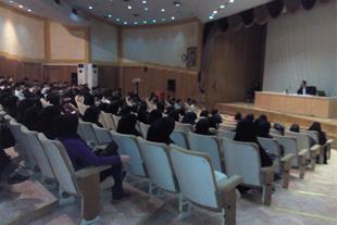 آموزشگاه 100% تضمینی زبان با استاد 10 زبانه ایرانی
