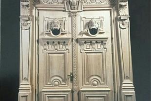تولید کننده مصنوعات لوکس چوبی ( درب چوبی،کابینت )