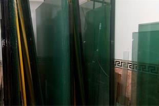 فروش و نصب شیشه های ساختمان ، درب های کابینت