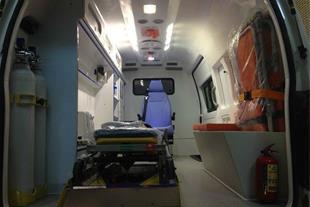 تعمیر آمبولانس قدیمی