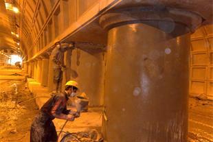 اجرای آب بندی فشار منفی تونل مترو