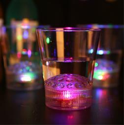 لیوان رقص نور