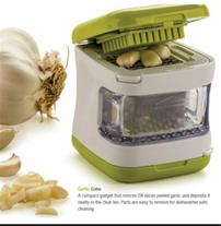 سیر خرد کن Cube the garlic