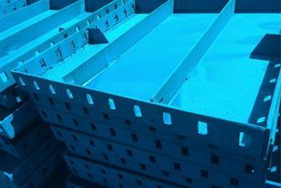 تجهیزات قالب بندی ، تولید تجهیزات قالب بندی بتن