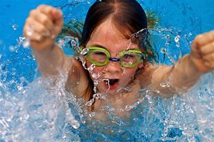 آموزش شنا مخصوص کودکان و بانوان - 1