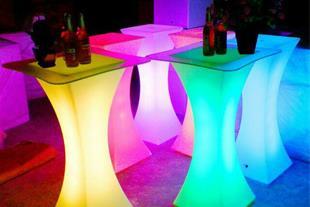 فروش میز و صندلی های LED و مبلمان مخصوص باغ
