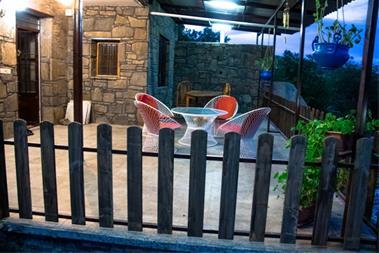 اجاره سوئیت مبله اجاره روزانه ویلا در همدان - 1