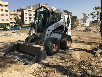 اجاره بابکت  خاکبرداری  محوطه سازی  تخریب ساختمان - 1