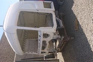 اتاق اسکانیا R420 مدل 2010 تصادف داشته