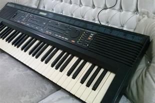 کیبورد Roland E30 - 1