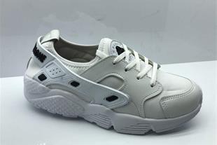 فروش کفش اسپرت با قیمت مناسب