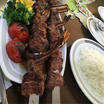 پخت غذای ایرانی و محلی در مجالس