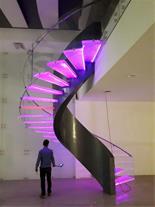 طراحی و اجرای پله دکوراتیو