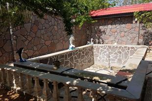 فروش باغ ویلا در شهریار با انواع درخت