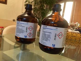 فروش اسید سولفوریک 97-95% ، اسید کلریدریک 37% - 1