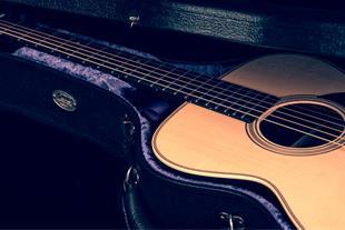 آموزش گیتار (حضوری و مجازی) هرجلسه90دقیقه
