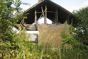 خانه کوچک یک اتاقه با 250 متر مربع زمین سند دار